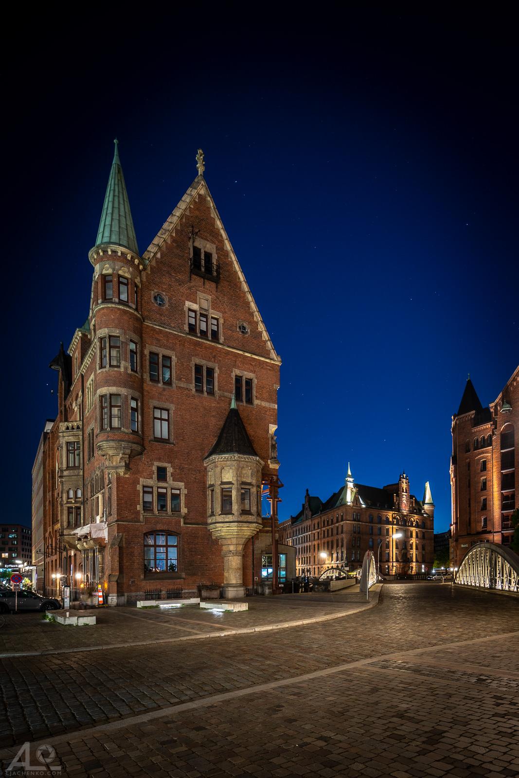 Hamburg, blaue Stunde