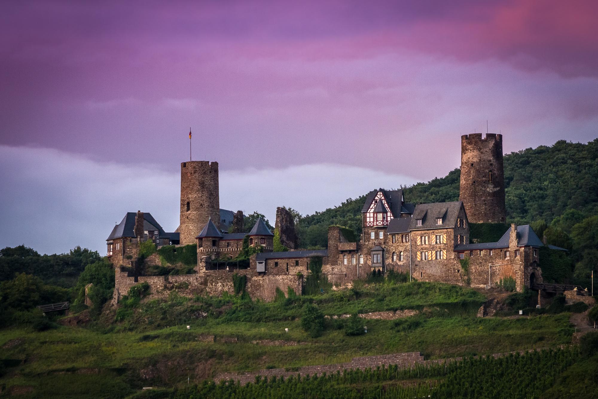 Die Ruine der Burg Thurant an der Mosel.